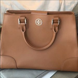 Tory Burch Tote (light umber) perfect condition